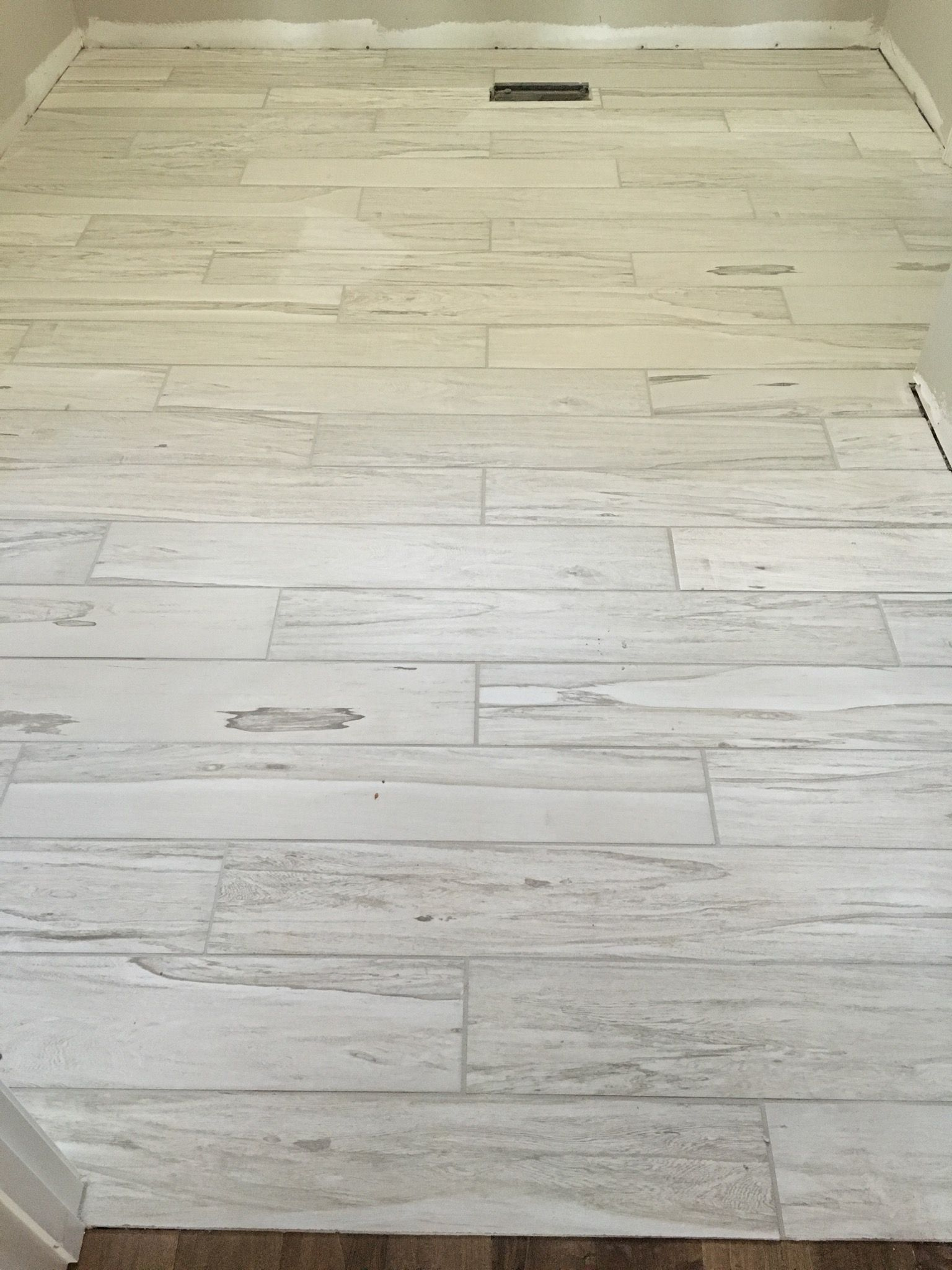 Brazilian White Pecan Tile With Warm Grey Grout Grey Grout
