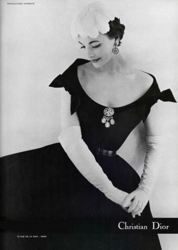 1957 Christian Dior  1248c54e43d