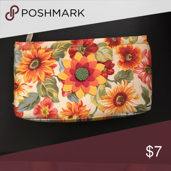 Travel bag. Floral travel bag. Good for anything! Bags Cosmetic Bags & Cases