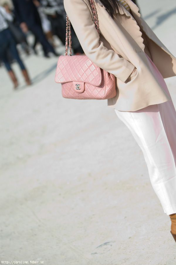 99fa70c38c03f The powder pink Chanel quilted caviar flap bag makes this outfit ...