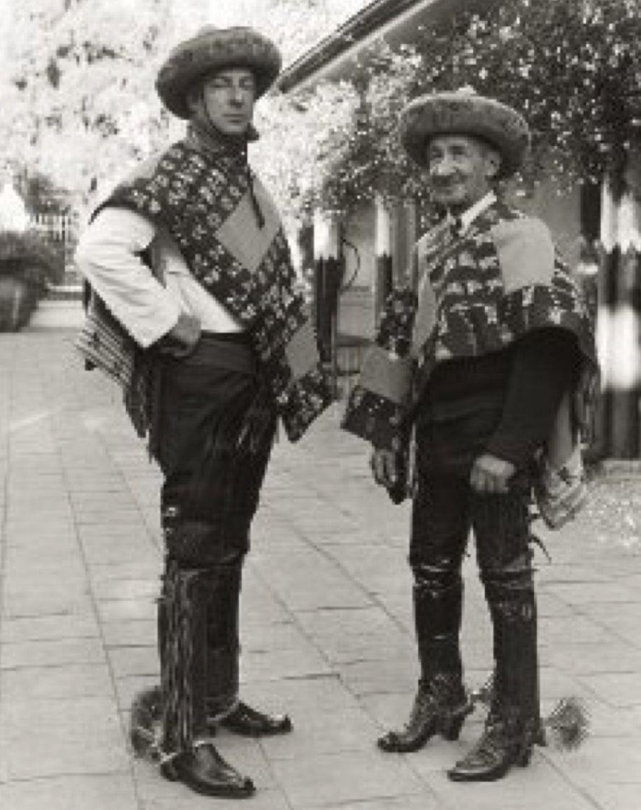 Huasos Chilenos De Hacienda El Huique Con Sus Tipicos Bonetes