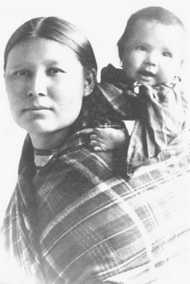 Native American woman and child from the Delaware tribe.