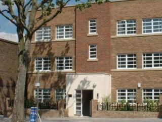 Four Star Quality apartment in Ealing London W5 ~time4play ...