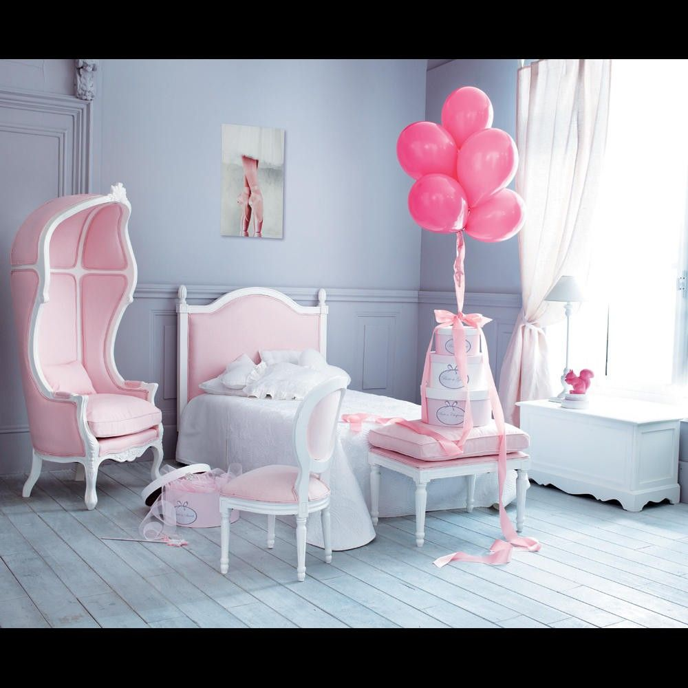 Gray and Pink bedroom fit for a princess. Chaise enfant rose Louis ...