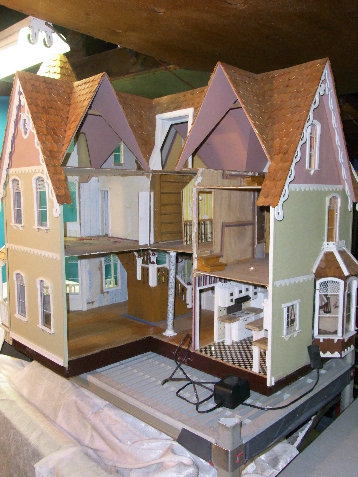 Pre Built Wooden Garfield Dollhouse 1 Scale Lots Of Extras Ebay