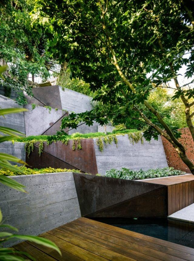 Gartengestaltung Hanglage Beton Stützmauer Metall