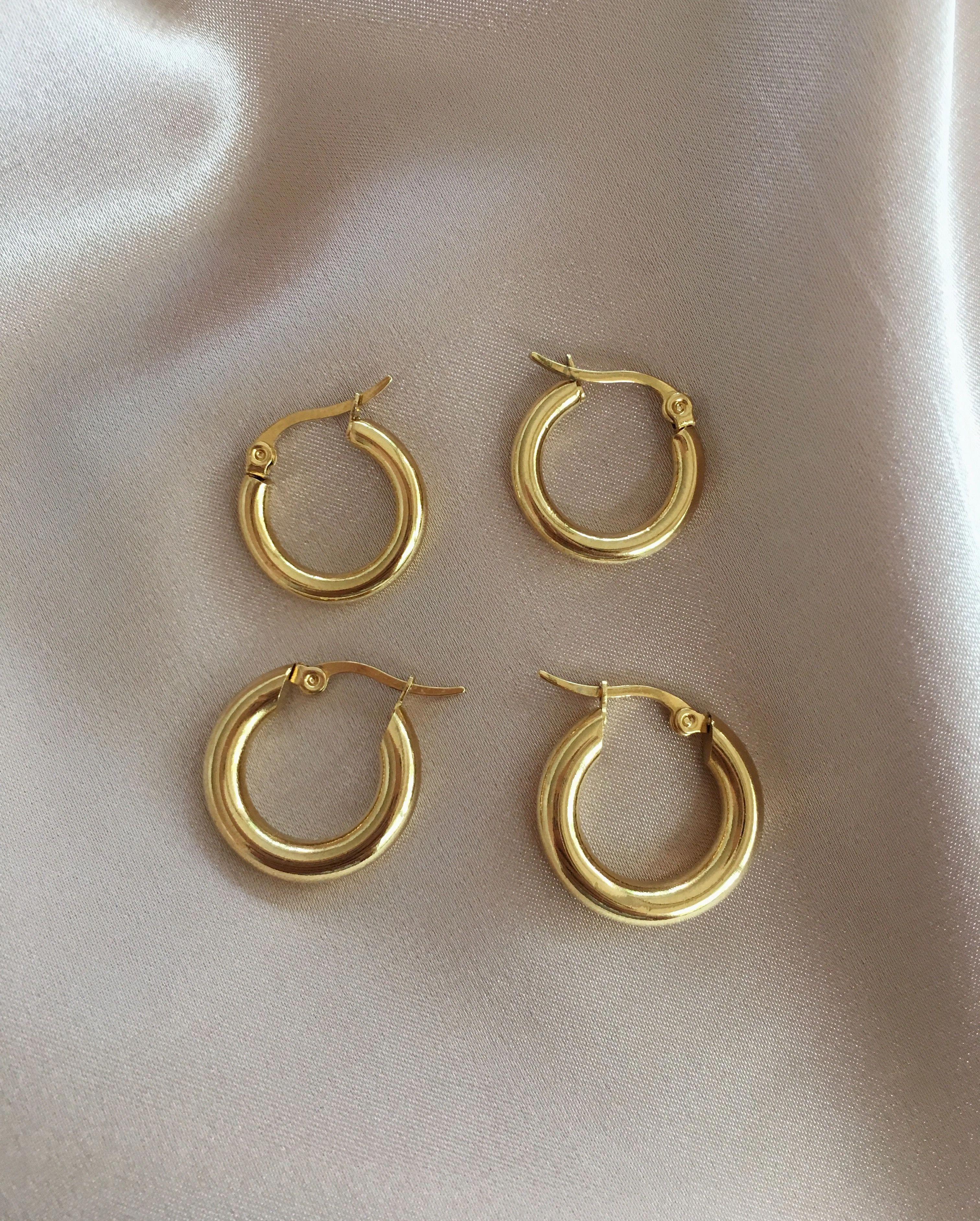 UNIQUE Lightweight Artisanal Urban Gold Rings Long Dangle Earrings