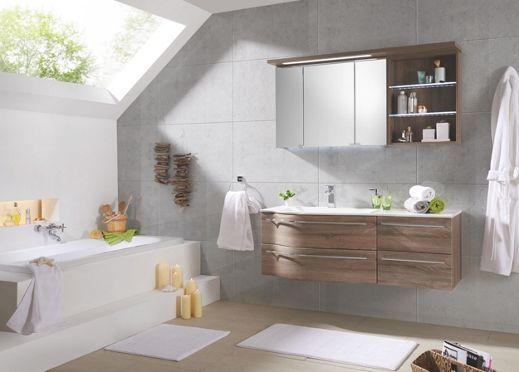 Badezimmer Mit Weissem Waschbecken Unterschrank Spiegelschrank Und