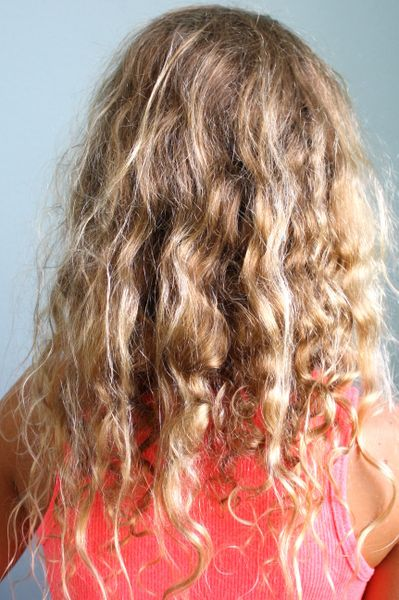 Coconut Oil For Dry Frizzy Curly Hair Coconut Oil Curly Hair Frizzy Hair Remedies Coconut Oil Hair