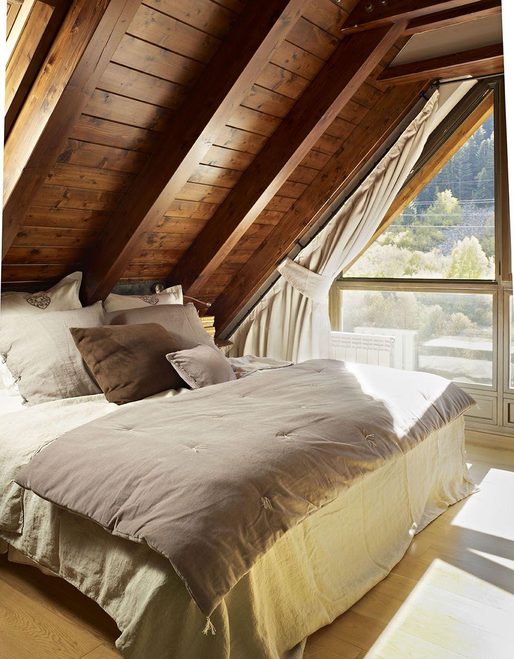 Un refugio de madera ba ado por el sol ancares deco for Dormitorio principal m6 deco