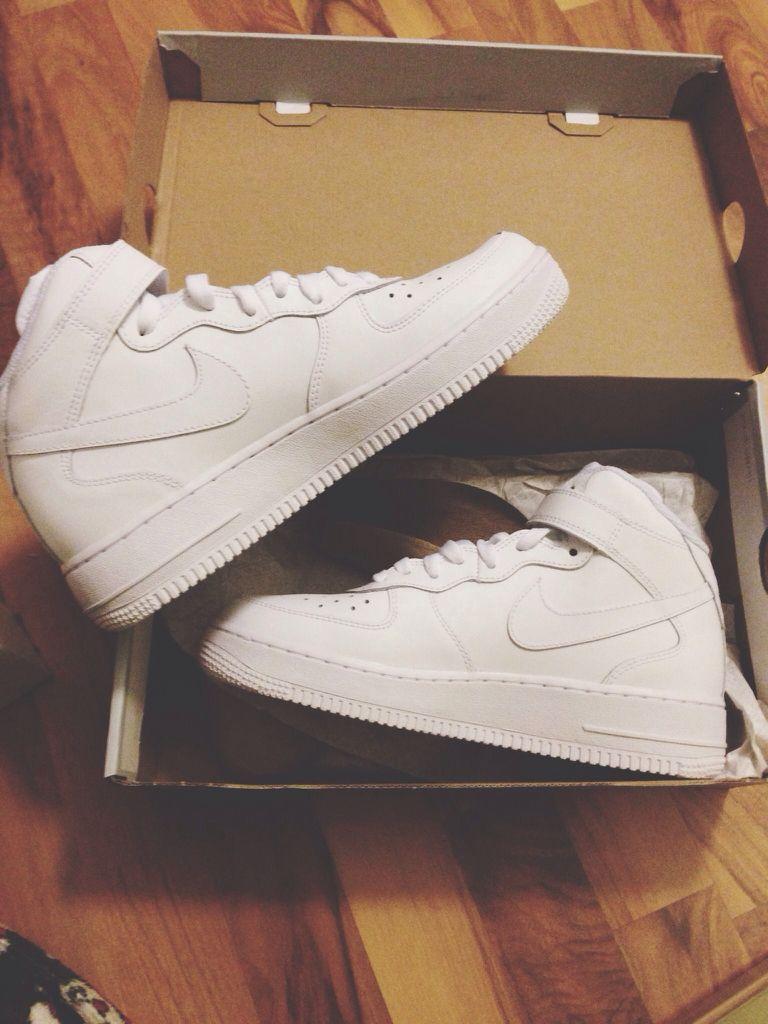 Shoe game · Nike Air Force One