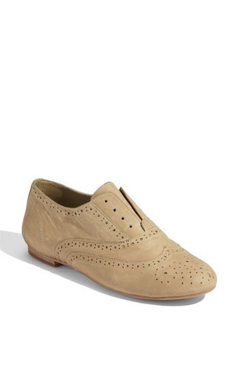 Digging these women's oxford shoes.