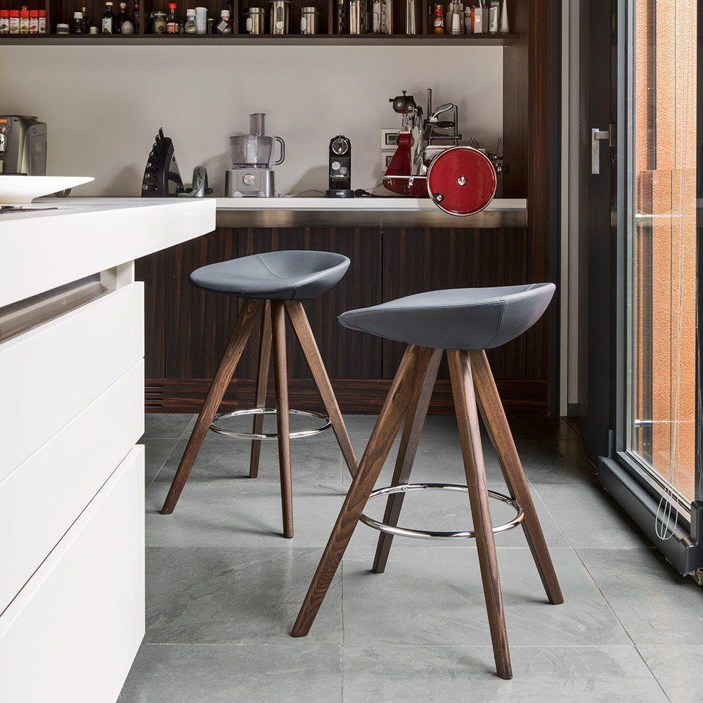 revendeur df528 76d6b Une chaise haute rembourrée de style scandinave, Calligaris ...