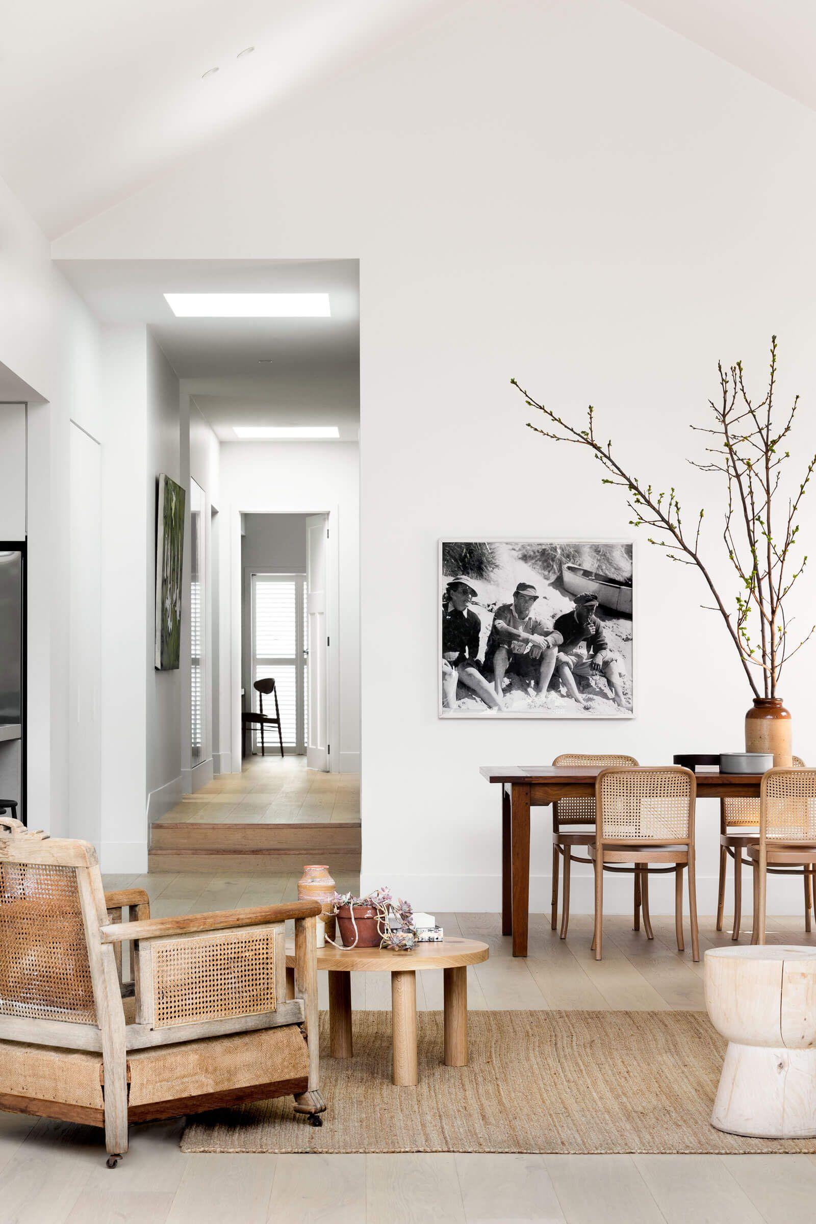 Design minimaliste pour une maison d'architecte en bois et blanc - PLANETE DECO a homes world