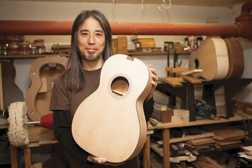 Japanese Born Luthier Kenji Okumura Has Been Building Guitars Since He Was 21 Years Old Across Three Different Continents Now Firmly Rooted In London He S Bu