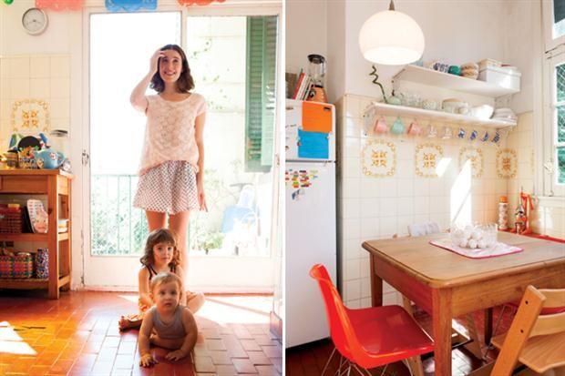 4 cocinas ohlaleras que inspiran  Un departamentos de tres ambientes en el complejo habitacional Los Andes del arquitecto Fermín Bereterbide.  /Producción Melisa Ruiz. Fotos de Érika Rojas