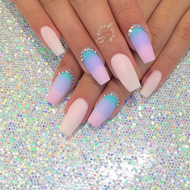 Mermaid ombré @glitterbeauties | BEAUTY - Nails | Pinterest | Arte ...