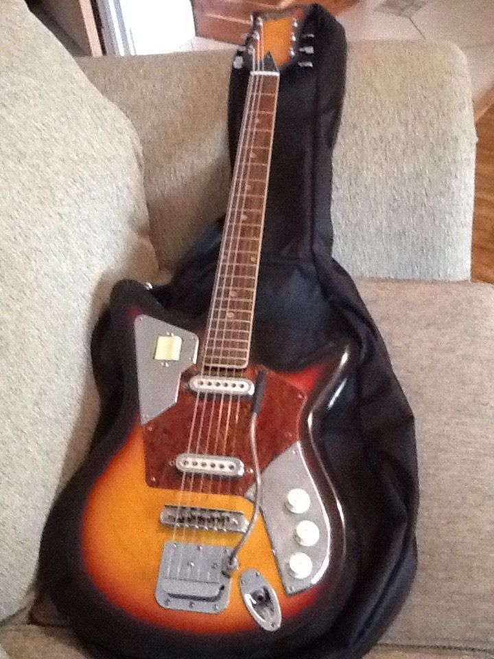 Vintage 1966 Japanese Imperial Electric Guitar New Strings And Gig Bag Electric Guitar Guitar Cool Electric Guitars