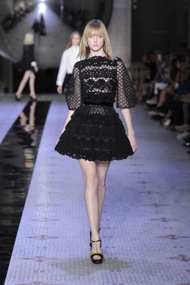 Dice Kayek Fall 2015 Haute Couture | Galleries | FashionTV | fashiontv.com