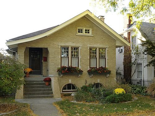 Chicago Bungalow Owners Get to Strut Their Stuff | My Dream House ...