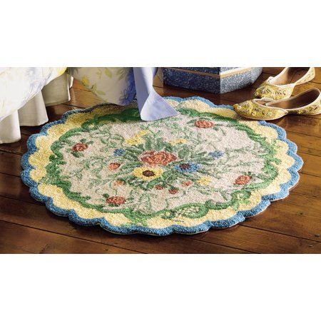 French Country Floral Round Accent Rug With Scalloped