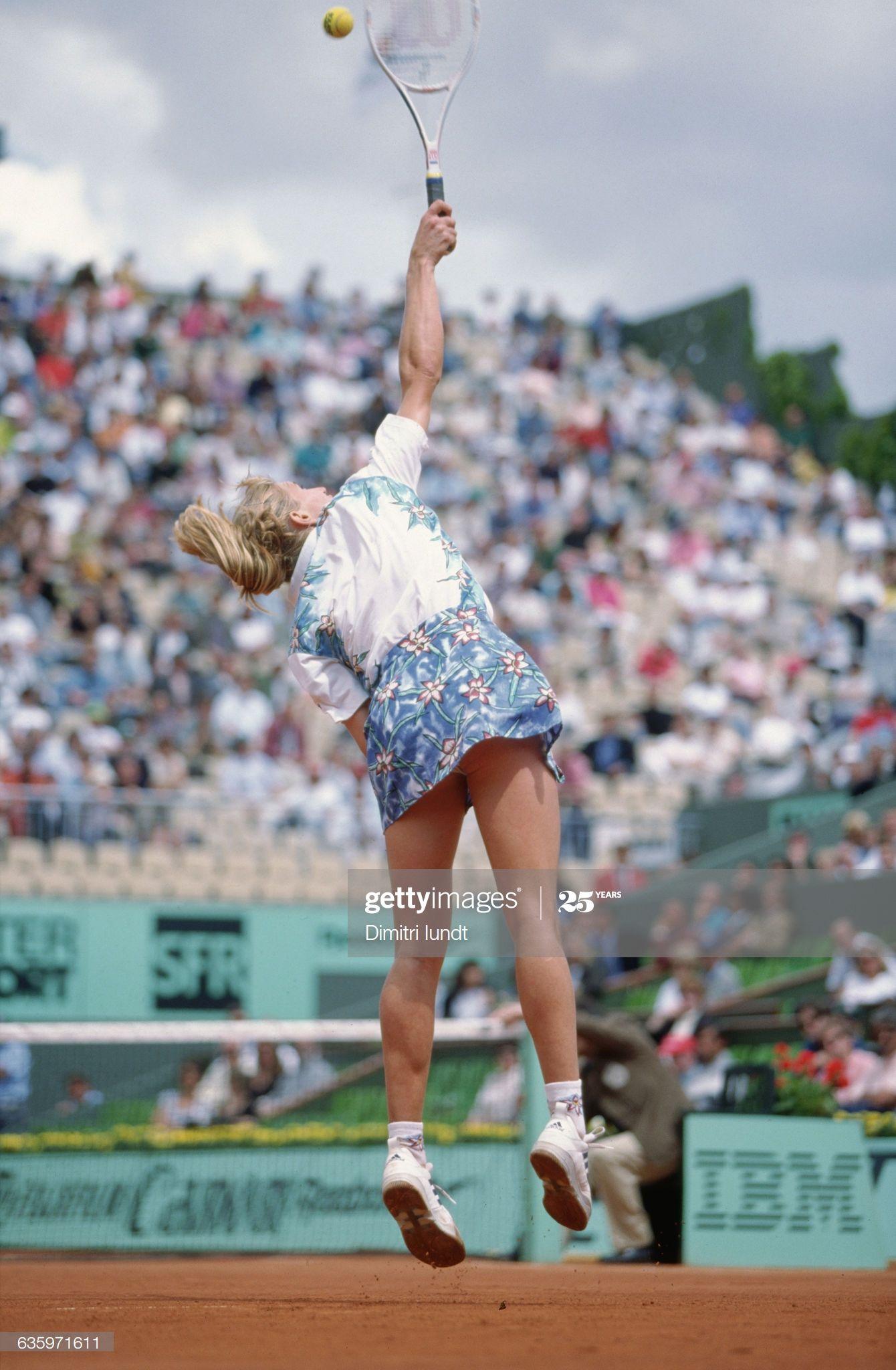 German Tennis Player Steffi Graf Competing At The 1995 French Open At Joueur De Tennis Steffi Graf Steffi Graff