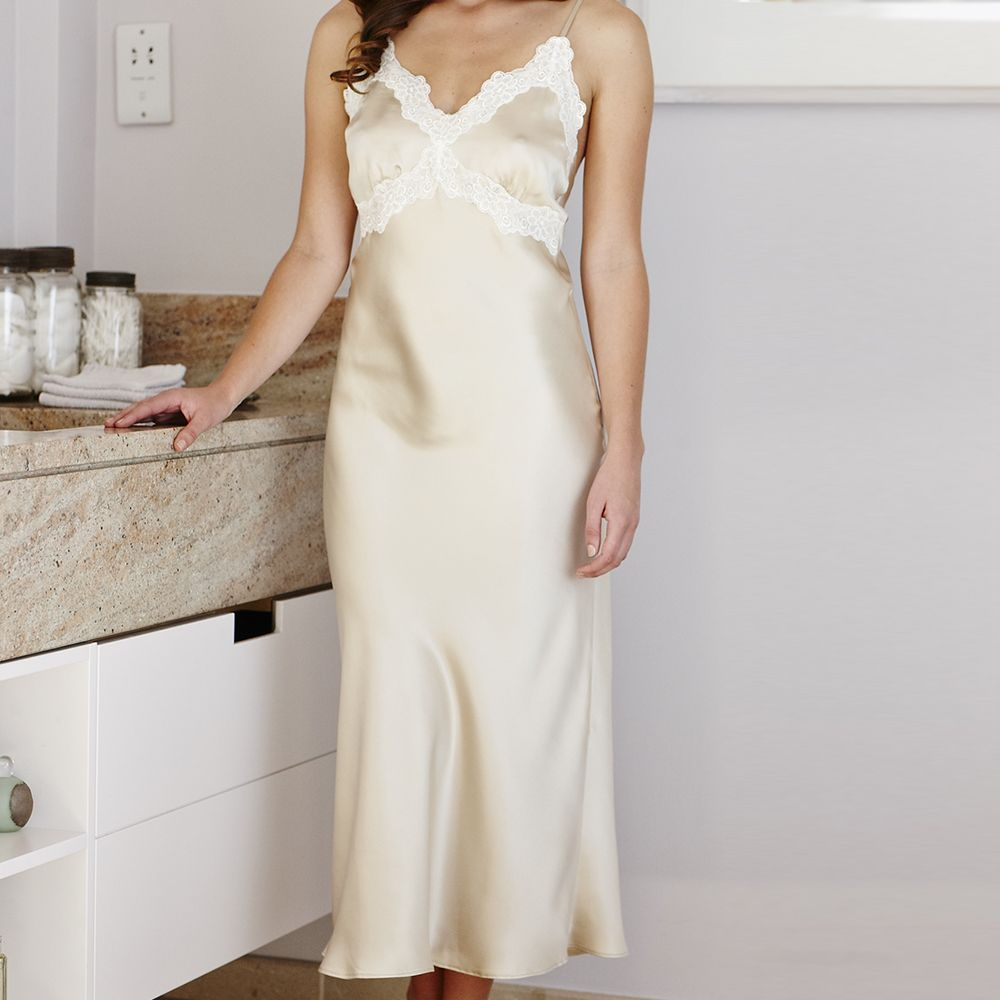 Luxury Wedding Anniversary Gifts: Luxury Lace Silk Nightdress For Her