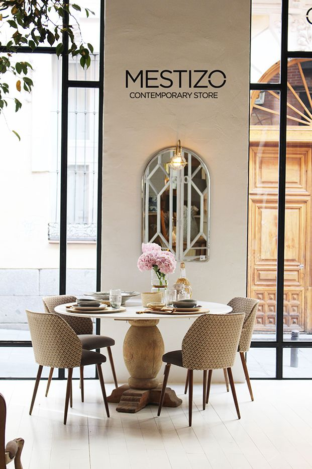 Mestizo contemporary store buscar con google for Comedores almacenes paris