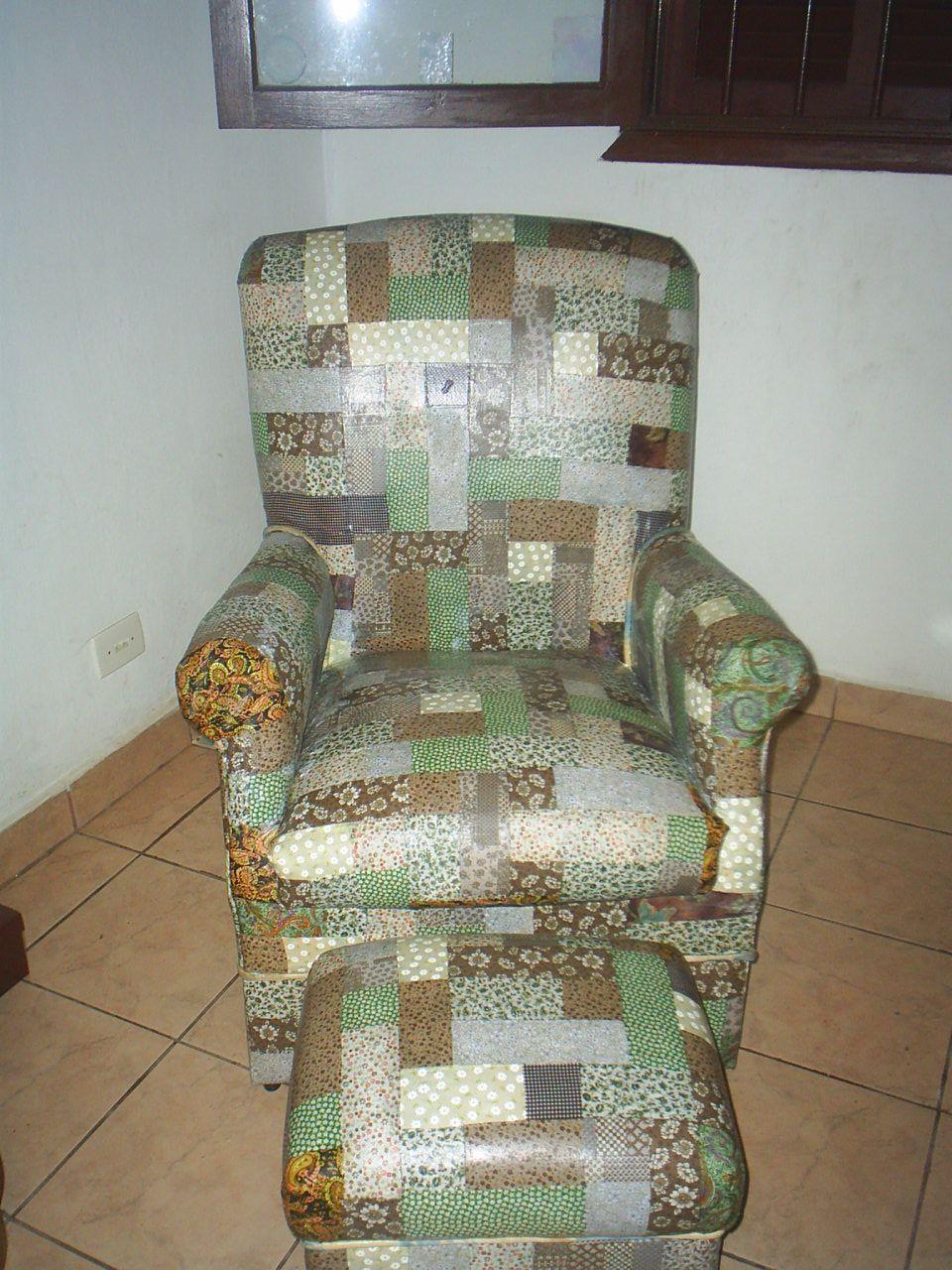 sofá forrado com tecido colado