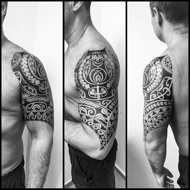 868ea6ce3 Meia manga finalizada. #maoritattoo #maori #polynesian #tattoomaori… Mayan  Tattoos,