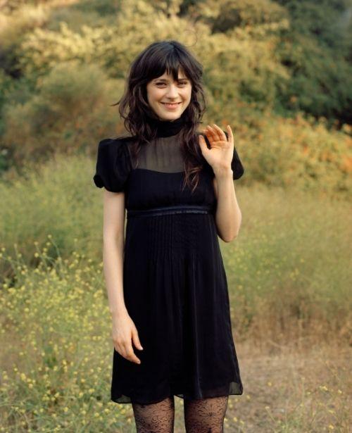 pretty lil black dress