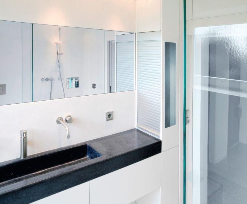 Bildergebnis für einbauschrank bad   Bathroom decor, Concrete sink, Bathroom mirror