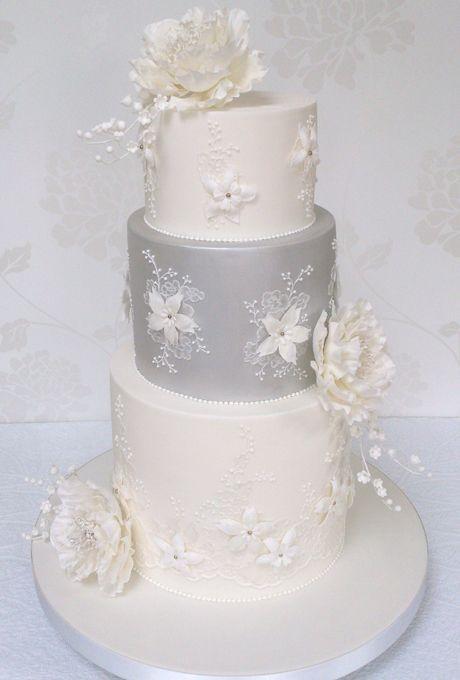 Beautiful Wedding Cakes For Every Season