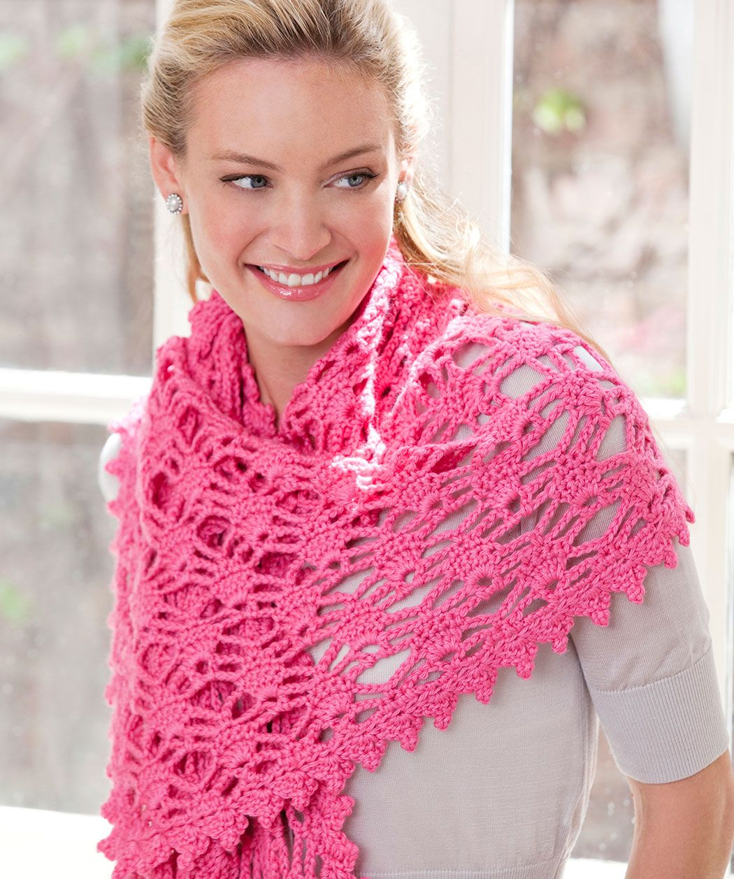Lw5536 simply alluring shawl free crochet pattern red heart lw5536 simply alluring shawl free crochet pattern red heart yarns bankloansurffo Image collections
