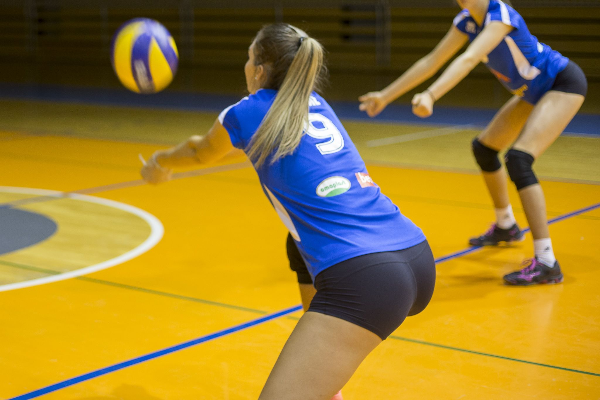 What Are Some Effective Methods To Improve Your Volleyball Hit Volleyball Tips Women Volleyball Volleyball