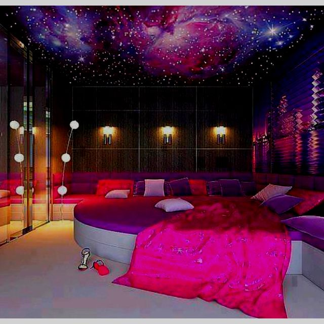If that was my room you would never see e leaving ever for Purple bedroom ideas tumblr