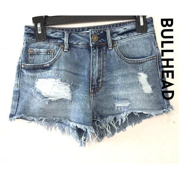 "✨Bullhead high rise distressed short✨ Cute Bullhead high rise distressed short. Rise -9"", inseam- 1 1/2"". Waistline-26"". Bullhead Jeans"