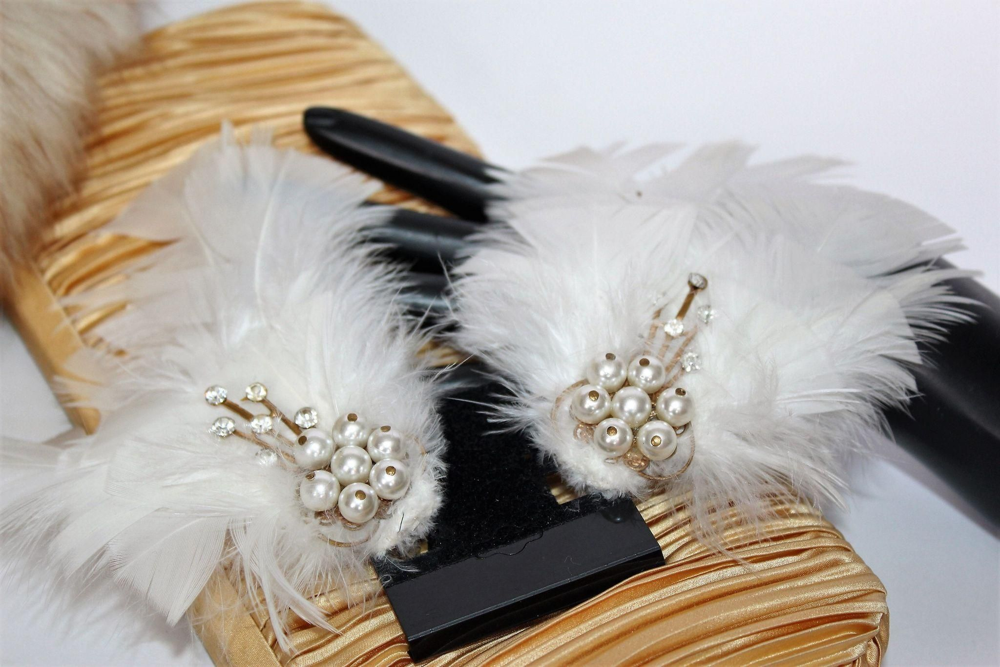 Fabulous Silver Plated Feather Fascinator Clip with