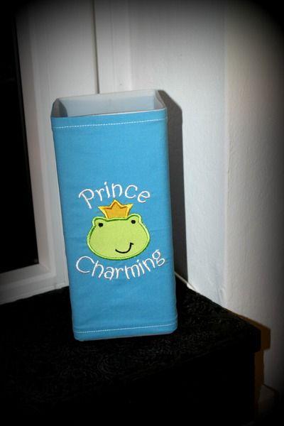 Wunderschöne, mit Baumwollstoff bezogene Lampe mit super süßer Aplikation für kleine Prinzen!    Ziert jedes Prinzenzimmer!     Das hat nicht jeder, d