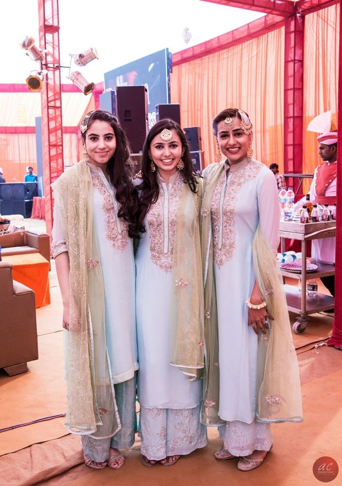 matching bridesmaid outfits