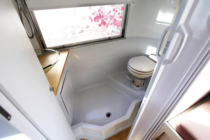 Sold We Do Have Another 1969 Caravel 18 Listed For Sale 1965 Airstream Caravel 17 Perfect For A Small Bathroom Simple Bathroom Designs Toilet Shower Combo