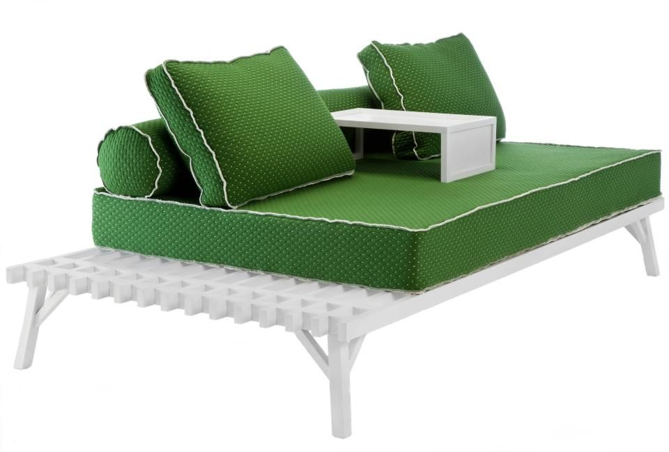 Daybed Zefyros, dimensions 240x125 cm Available at Coco-Mat - chaiselongue design moon lina moebel