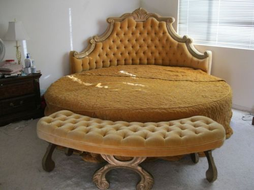 Best Details About Full Size Vintage French Provincial Wood Bed 400 x 300