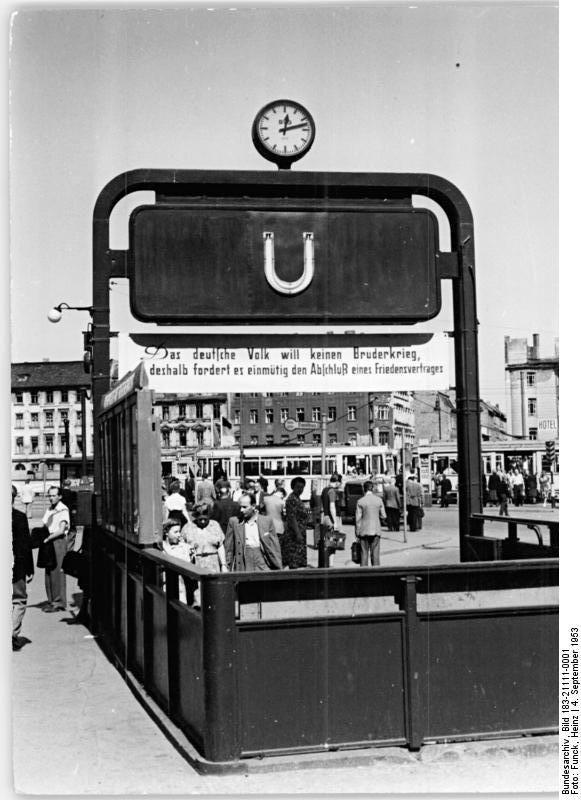 Berlin Alexanderplatz 1953 U Bahneingang Berlin Ubahn Berlin Alexanderplatz U Bahn