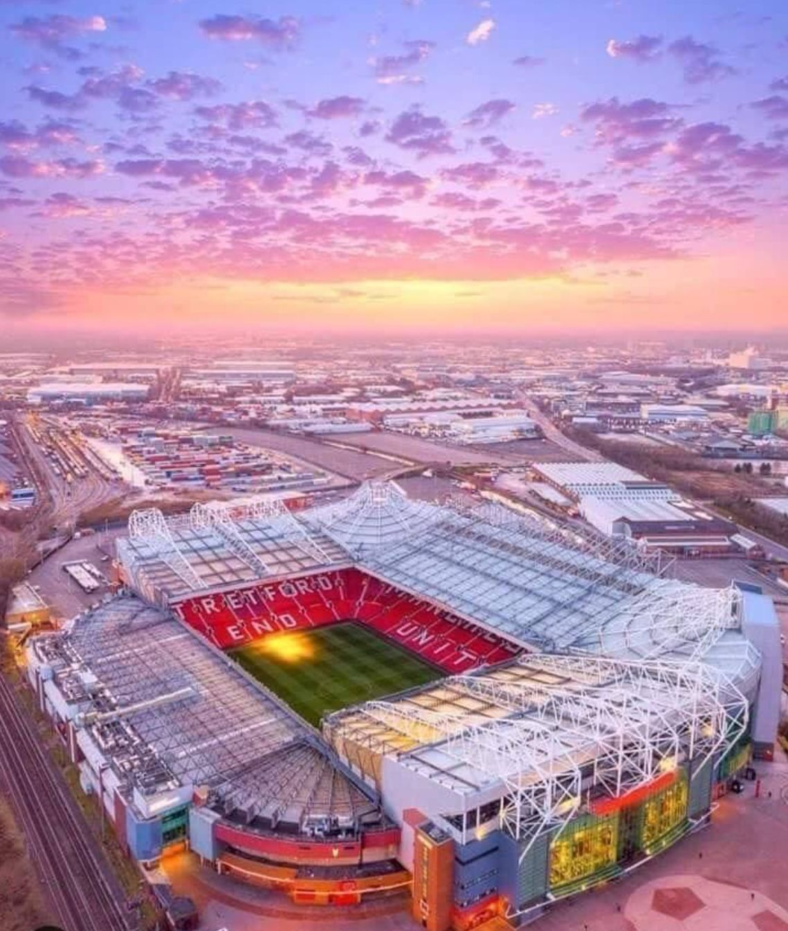 With Images Manchester United Wallpaper Manchester United Manchester United Stadium