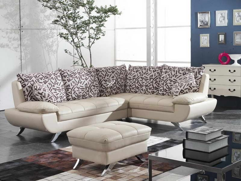 Next Consider The Way You Pick The Right Color Ideas That Work Best With Your Small Living Room D Living Room Sofa Modern Sofa Living Room Small Living Rooms
