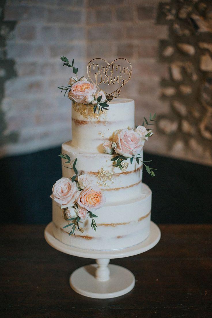 Photo of Pastellrosa & Mintgrüne Hochzeit bei Granary Estates Suffolk …
