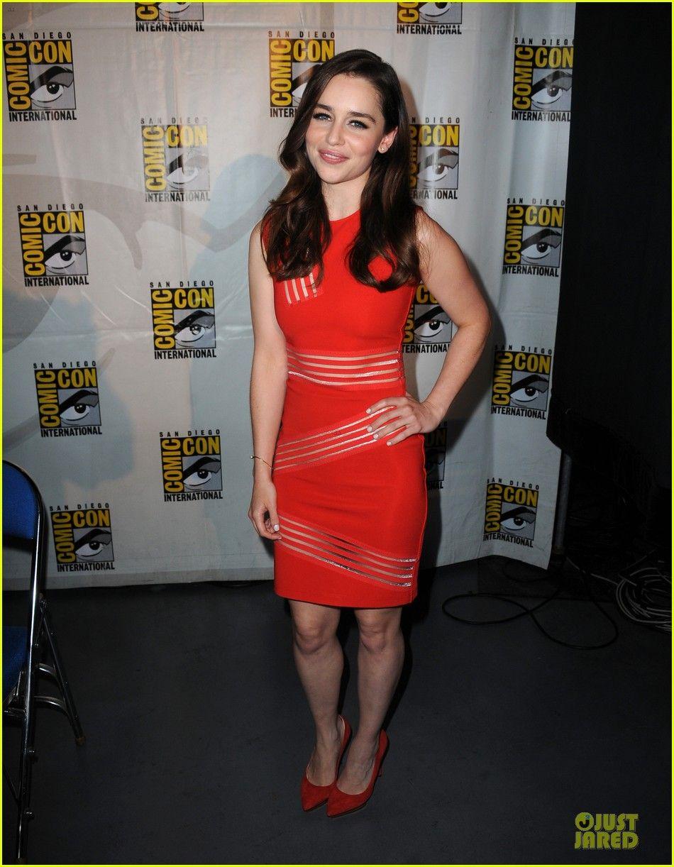 Emilia Clarke Kit Harington Game Of Thrones At Comic Con
