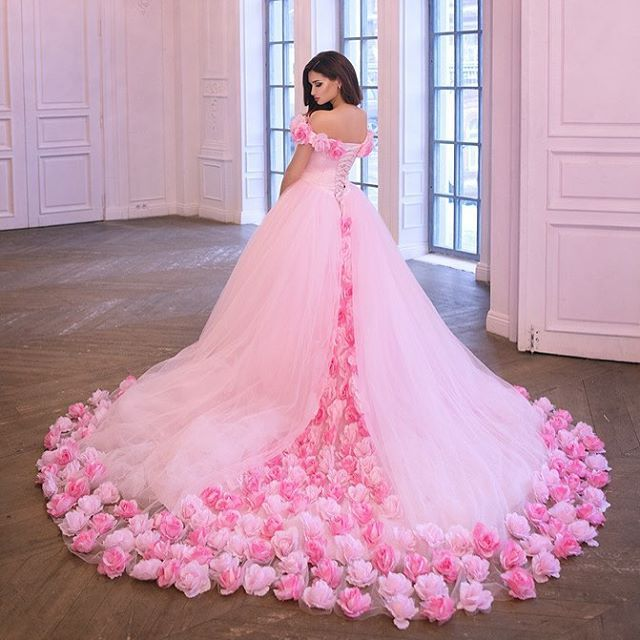 Pin de Fashion and Beauty Love en Beautiful gowns | Pinterest | 15 ...
