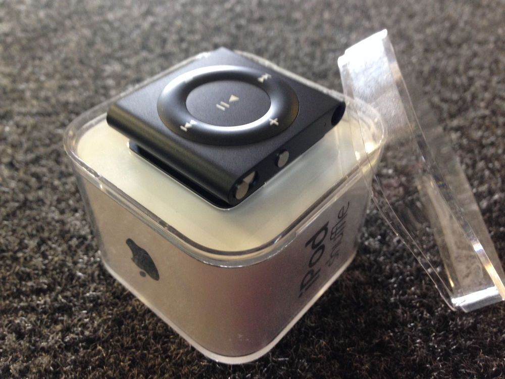 Apple iPod Shuffle (2GB) 4th Generation Model A1373 Media